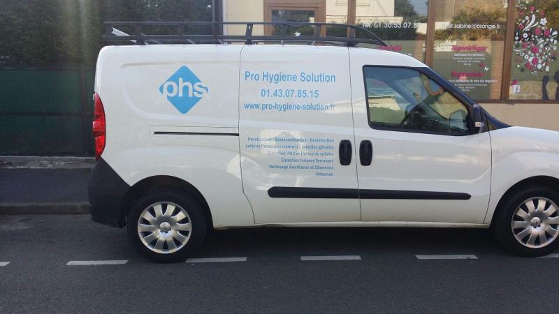 camion de phs pro hygiene solution. Black Bedroom Furniture Sets. Home Design Ideas